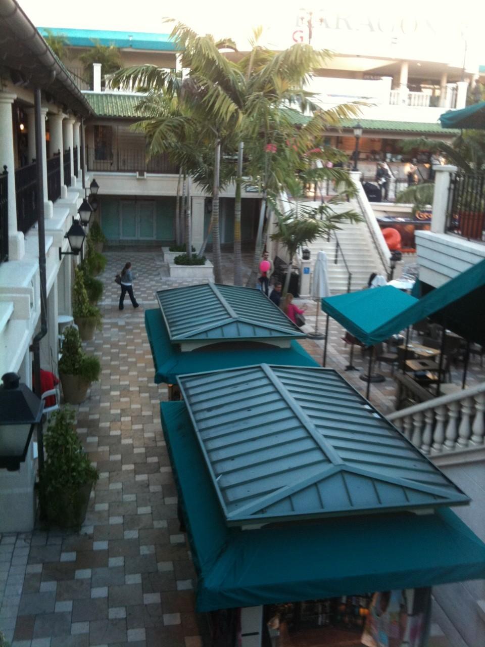 Coco Walk Restaurants And Vendors